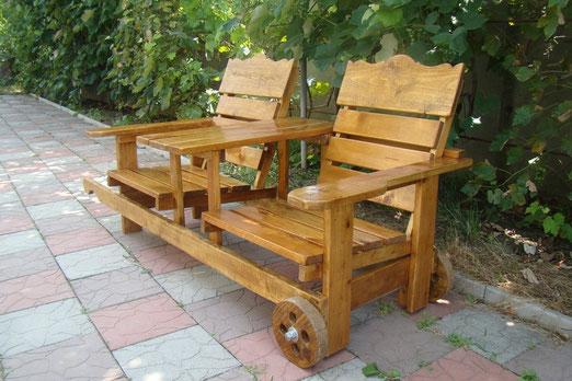 скамейка деревянная на колесах