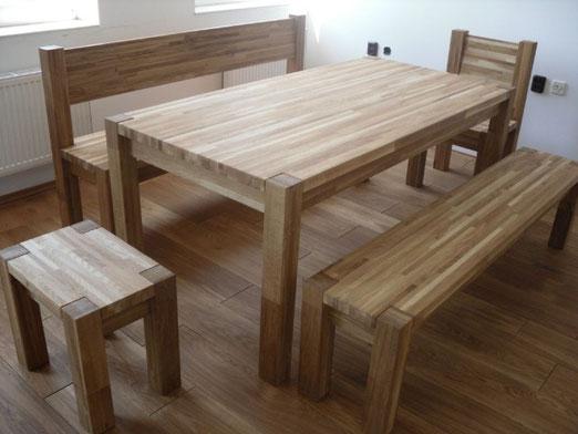 Стол со скамейками и стульями из массива дуба