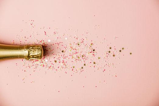 Sektflasche Champagner im feierlichen Ambiente