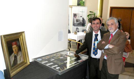 Foto histórica 1ª Exposición MeTA: MeDALLERO TRANSFUSIONAL ARGENTINO, junto con el Coleccionista Dr. Carlos Di Bartolo. 6/11/2014.