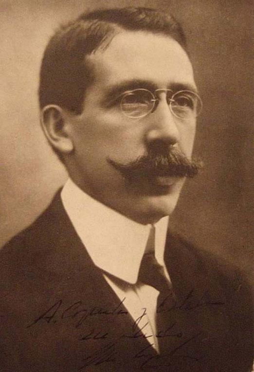 Dr. Luis AGOTE GARCÍA