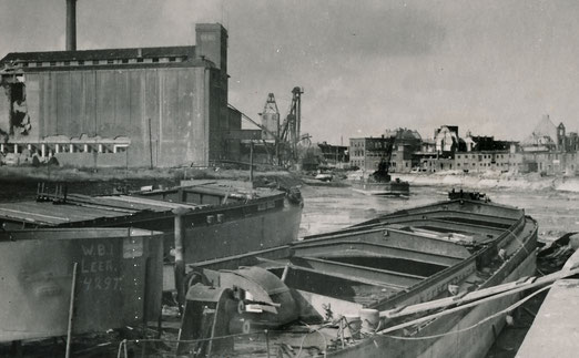 Der Stadthafen ohne Wasser - Sommer 1945