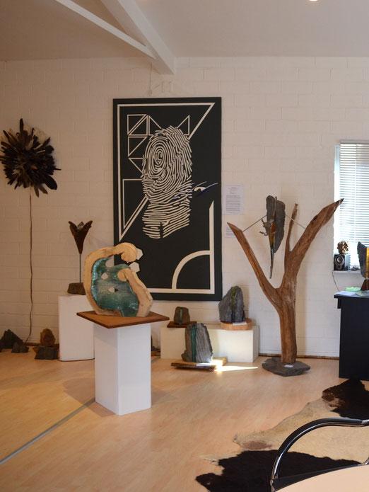 Ausstellungsraum, Skulpturen mit Glas, Atelier Kunst-Licht, Elfter
