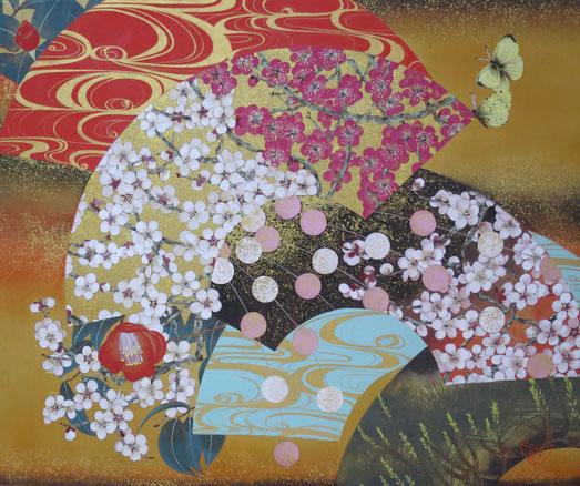 宝居智子 「扇面紅白梅図」 雲肌麻紙、岩絵具、金箔、金泥、白金泥 F8