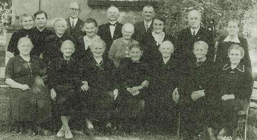 Jubelkonfirmation mit Pfarrer Grätzel 1956 ein Beispiel aus der langen Reihe seitdem