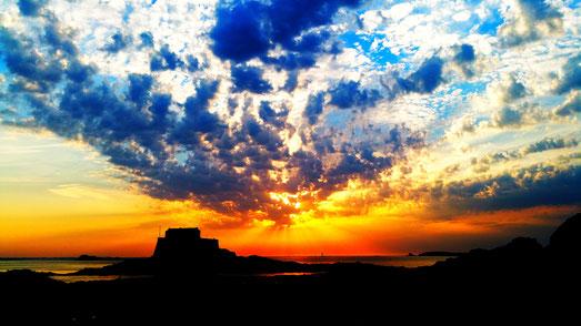 bretagne-maison-dodo-romantischer-sonnenuntergang