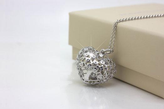 Ciondolo in argento regalo Pasqua 2019