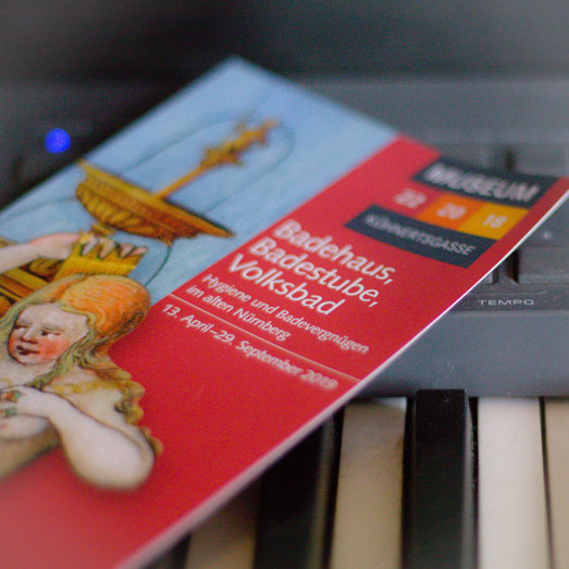 Studio, Tronstudio, Komposition, Audio, Editing, Aufnahmen, Sprache, Instrumental, Arrangement, Werbung, Orchestration, Musikproduktion, Mikrofon, Midi, Vocals, Ensemble, Pre-Amp, Audio-Logo, Sounddesign, Foley, Recording, Filmton Spielzeugmuseum Nürnberg