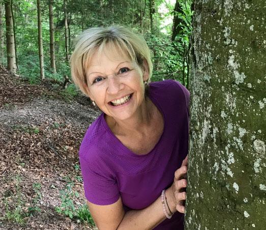 Gisela Hollenstein, dipl. Yogalehrerin BYV (Berufsverband Yoga Vidia)