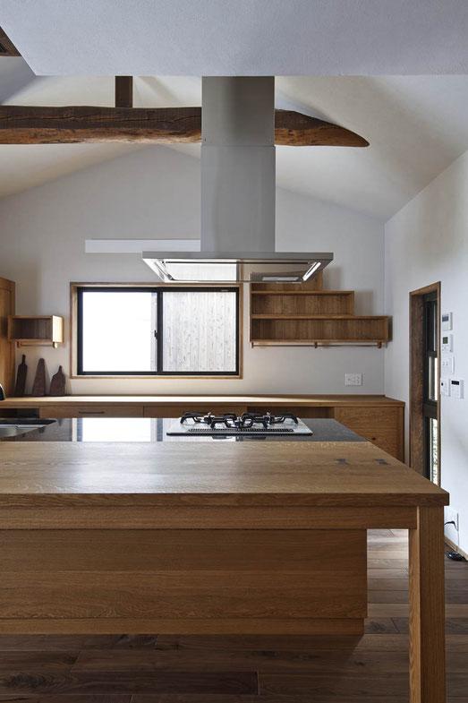 無垢材のキッチン