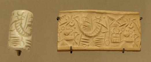 Sceau cylindrique provenant de la ville de Mari en Mésopotamie - le sceau permettait d'authentifier un document en le faisant rouler dans l'argile.