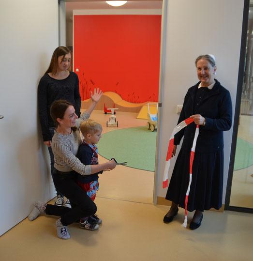 von links nach rechts: Nadine Kittner (MA Kinderkrippe), Katja Winkler (Leiterin Krippe), Sr. Elfriede Distler (Leiterin Kindergarten)