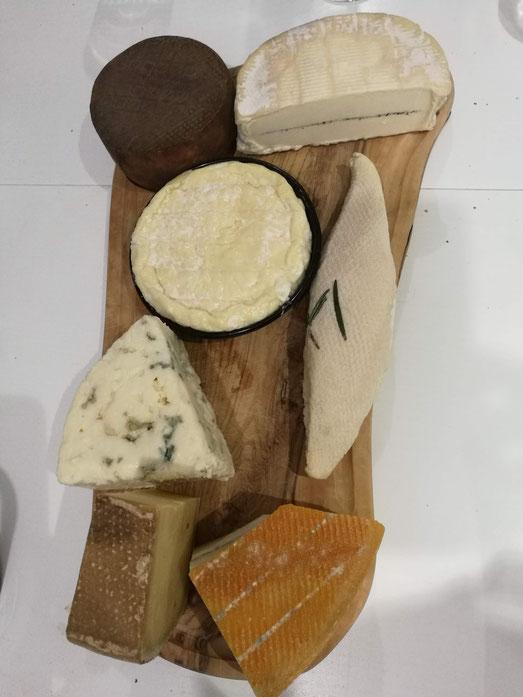 Plateau de fromage ... presque zéro déchet .. personne ne notera la barquette en plastique du St-Félicien !
