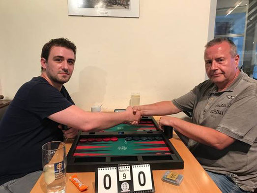 Finale: Hakan Mogulkoc (links) gegen Jan Cerny (rechts)