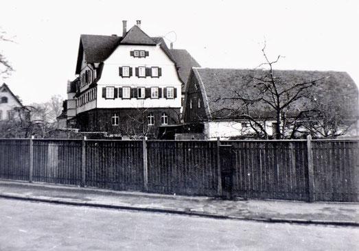 Das frühere Zufluchtshaus in Oberensingen (heute: Tagesklinik im Schlössle). - Foto: Privatarchiv Werner Föhl, Oberensingen, mit freundl. Genehmigung., Repro: M.Werner