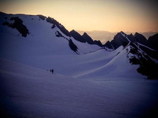 Immer wieder aufs neue schön - die Sonnenaufgänge über den Bergen