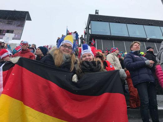 Maria und Tabea beim Holmenkollen Ski-Festival in Oslo
