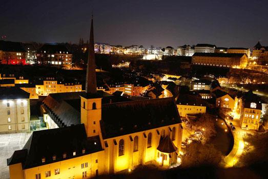 Luxemburg Stadt bei Nacht, Johanneskirche, Architektur Europa