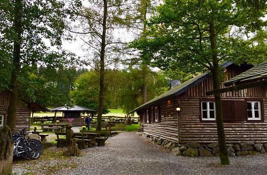 Hiebammenhütte mitten im Briloner Wald