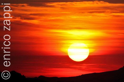 Tramonto prima dell'eclissi totale di luna del 15 giugno 2011 da Rocca delle Caminate