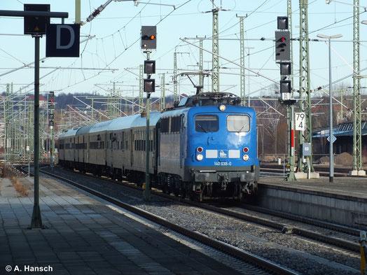 Am 11. Januar 2014 fand der jährliche Firmenausflug der PRESS inform einer Sonderfahrt von Leipzig über Dresden, Chemnitz nach Hof statt. Zuglok war 140 851-7 (PRESS 140 038-0). Hier ist der Zug bei der Einfahrt in Chemnitz Hbf. zu sehen