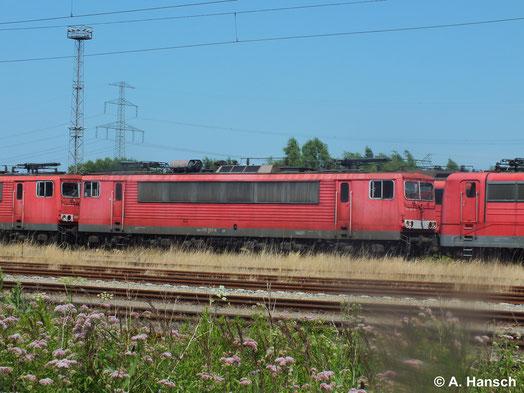155 267-8 steht am 22. Juli 2014 in Rostock Seehafen z-gestellt