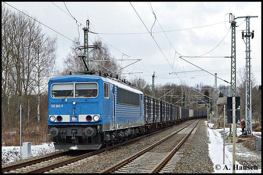 155 238-9 (PRESS 155 045-9) ist am Kokszug Bad Schandau - Glauchau eher selten zu sehen. Am 8. Februar 2015 gab es diese Gelegenheit. Am ehem. Abzweig Furth in Chemnitz wurde die Fuhre festgehalten