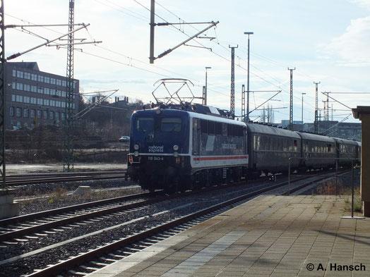Am 11. Januar 2014 holte die PRESS ihre Weihnachtsfeier inform einer Sonderfahrt von Leipzig nach Dresden, Chemnitz, Hof nach. Als Schublok kam der Neueinkauf 110 511-3 zum Einsatz, hier zu sehen bei der Ausfahrt aus Chemnitz Hbf.