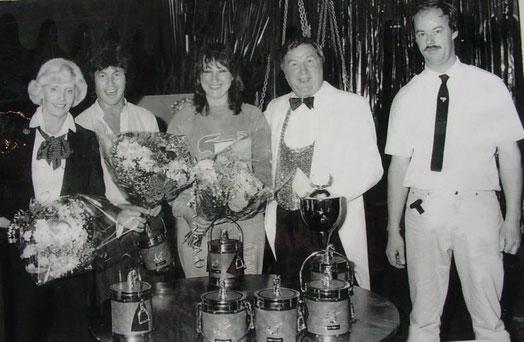 1985 Op de foto zijn te zien: Annie Kleinheerenbrink, Freddy Breck, Jose Hoeben,Tonny Leerink en Hein Nijkamp (bekend als Cowboy Hein en gastheer van het huidige PonyparkCity)