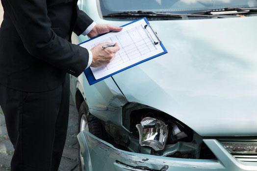 Fahrzeuggutachten Schadenbewertung