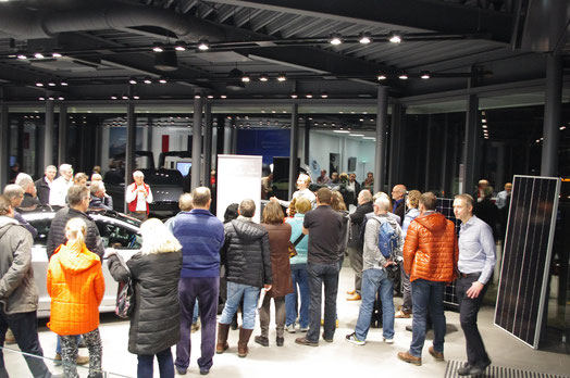 Herr Philipp Klebert, Account Sales Manager Tesla Powerwall Team, stellt die Powerwall 2.0 vor
