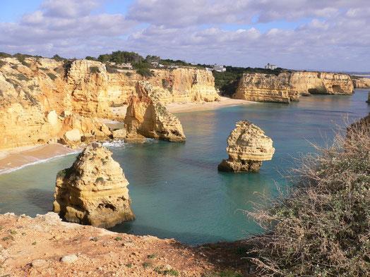 Praia da Marinha, der nächste 2 km vom Haus entfernte Strand