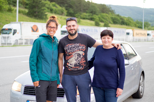 Viviane, Milan and his mum Mira near the Bulgarian border