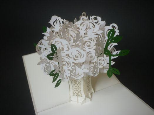Carte Pop-Up bouquet de roses blanches