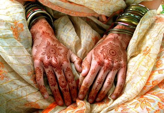 cornish bride wearing mehndi henna
