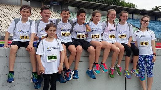 ...erfolgreicher Läufernachwuchs: Louis, Finn, Juli, Christian, Nico, Emma, Theresa, Nathalie und Carina