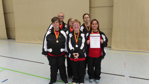 Mannschaft Klasse 1: Von links: Nadja Dubronner, Michael Herm, Margot Herm, Kerstin Marquetant, Alexander Zirnstein und Claudia Gastrop