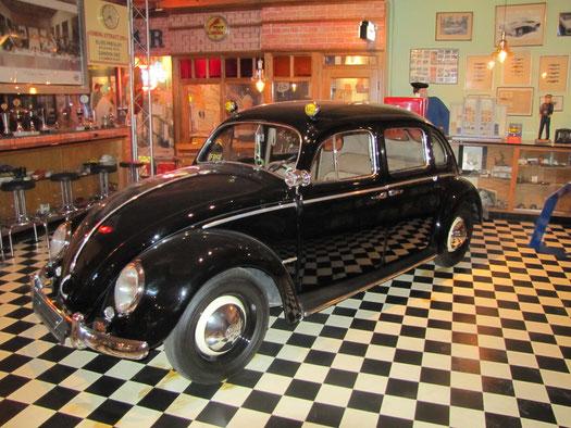Viertüriger Käfer als Taxi. Ein Aufbau von Fa. Rometsch