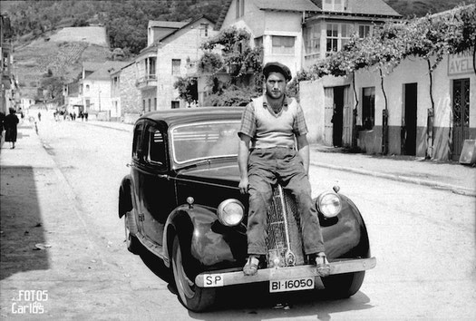 1958-Quiroga-encima-coche-Carlos-Diaz-Gallego-asfotosdocarlos.com