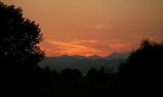 Zonsondergang boven het Skadar meer.