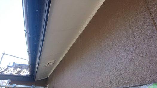 養老町、大垣市、平田町、南濃町、海津町、上石津町、輪之内町で外壁塗装工事中の外壁塗装工事専門店。養老町大場で外壁塗装工事/付帯の塗装作業中