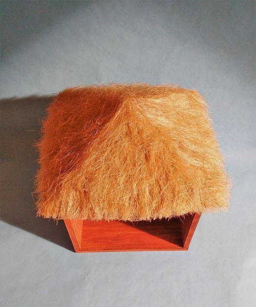 Puppenhaus-Strohdach basteln