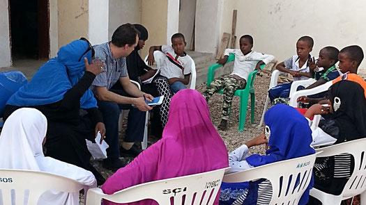 Discussion de groupe avec le comité d'enfants de Wajadir à Berbera (Somaliland)