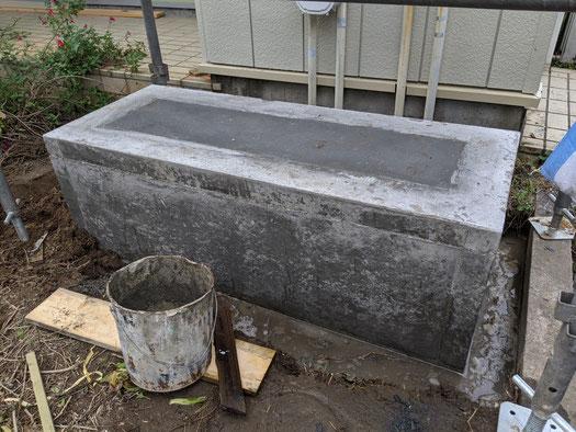 コンクリートを打設し乾いたら完成