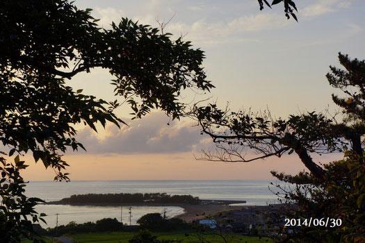 夕方の日本海