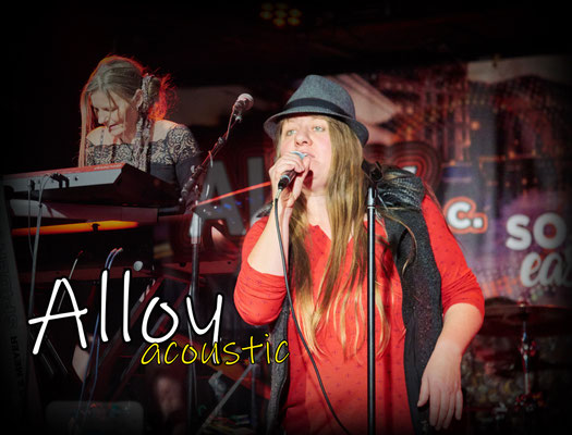 Janine Schouten und Pia Geiger (Alloy acoustic)