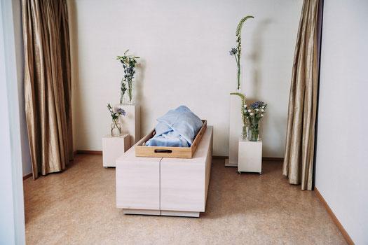 lijkwade uitvaartwade lijkwaden rouwcentrum nederland cremeren begraven uitvaart crematie rouw bloemen