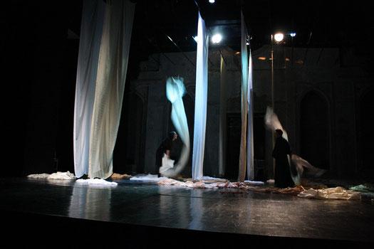 Bühnebild, Costumes, stage design, Stoffe, ROYAL DISTRICT THEATRE