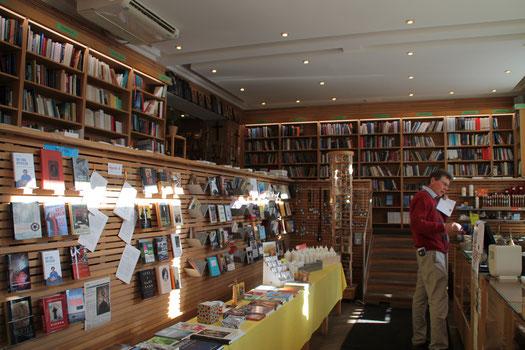 Peter Eggertz in der katholischen Buchhandlung