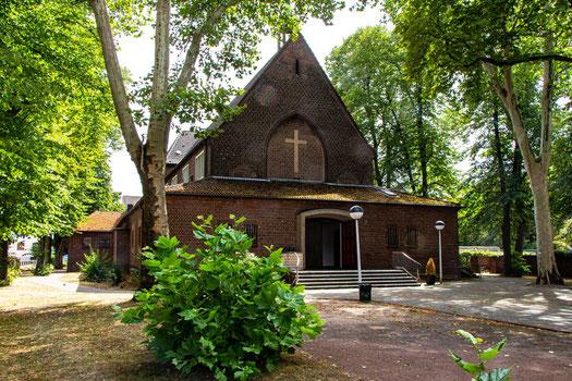 St.-Franziskus-Kirche, Duisburg-Großenbaum
